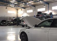 مطلوب مهندسين أو حرفيين ميكانيكه و كهرباء في مجال صيانة السيارات
