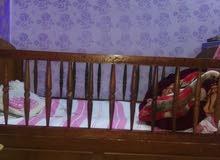 غرفة نوم +سرير اطفال