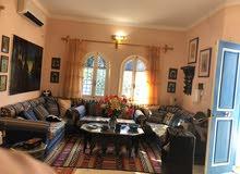منزل ارضي مؤتث كامل وسياره شبه جديدة بجربه / تونس 95000 يورو