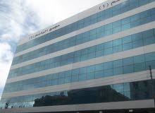 مكاتب استثمارية  مميزة للبيع بشارع المدينة المنورة / بجانب البنك العربي/ مساحات مختلفة