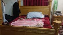 للبيع غرفة نوم سرير دولاب  تسريحة