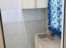 شقة نظيفة للايجار في المحرق غرفة وصالة شامل 160 دينار