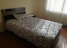 شقة فاخرة جدا للايجار في عبدون - طابق ارضي مع ترس - 180 م