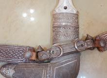 خنجر قديم جدا قرن فيل وبنقشة دقيقة وجميلة