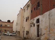 منزل للبيع حي الجامعه خطوات من سوق الامير متعب الشعبي