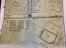 للبيع ارض سكنية كورنر ممتازة في بركاء العقدة  الرابعة بـ(5800)رع