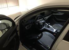 Audi A4 couleur blanc TFSI 1ère main