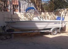قارب بحري بحاله ممتازة مع محرك 150 حصان