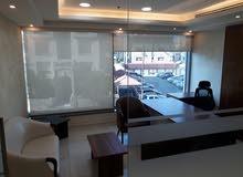 مكتب فخم للايجار سنوي في ابراج اعمار طابق 2