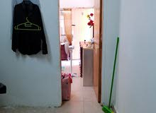 شقه غرفه و صاله و حمام و مطبخ للإيجار