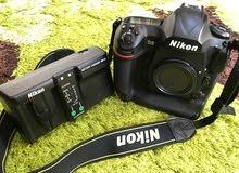 كاميرا للمحترفين بدون عدسة (D5نيكون دي 5) Nikon D5 XQD Memory بحال الوكالة شتر قليل