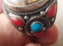 خاتم عقيق مرصع بالأحجار الكريمه