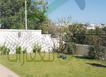 فيلا للايجار في القرم ضمن مجمع سكني راقي بجانب العيادات الأمريكية