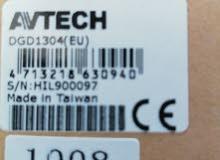 اربع كاميرات مع جهاز التسجيل ماركة AVTECH التايوانية بسعر كزيوني