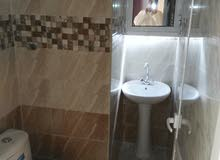 شقه للإيجار في صحار الصويحره قريب الشاطي غرفة وصاله ومطبخ ودوره مياه
