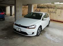 جولف كهرباء PREMIUM Volkswagenموديل 2015 لون مميز كامل كلين كار فاكس بسعر مغري