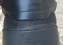 حذاء رياضي من باريس