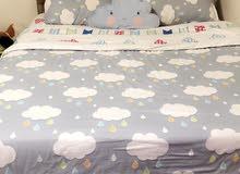 سرير جلد للبيع