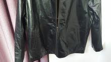 جاكيتات جلد اصلي مية المية genuin leather بطانة مميزة عازلة قياسات Lاو XL
