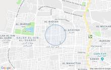 ارض على ثلاث شوارع في وسط حايل تجاريه خلف مستشفى الراشد موجره غرف عمال الان