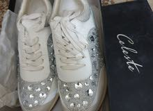 بيعة سريعة حذاء ابيض كريستال   new white crystal stone shoe