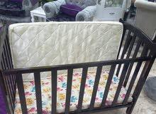 سرير اطفال لغاية 3 سنوات بحالة ممتازة