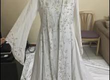 فستان زفاف او خطوبة
