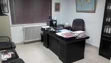 مكتب للإيجار بومقع مميز