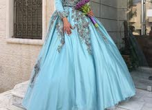 فستان خطبة مميز للبيع بسعر مغري