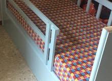 سرير مفرد (تفصيل ) خشب لاتيه دبل مع فرشته لم يستخدم بعد.لون ازرق سماوي