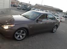 للبيع BMW 525i موديل 2006