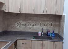 شقة مجدّدة مميزة و لقطة للبيع في منطقة الدورة شارع ماغي الحاج