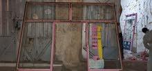 لاصحاب المحلات عرررررطه باب حديد مزجج طوله ثلاثه متر وعرضه ثلاثه متر ب 50 الف.