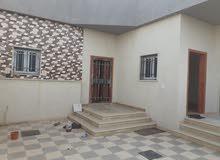 منزل للبيع في عين زارة طريق الابيار