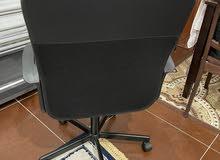 كرسي مكتب بحاله جديده