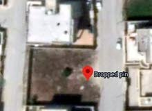 قطعة أرض سكنية ممتازة ذات واجهتين مساحة 560م في الدعوه الاسلاميه