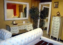 غرفة نوم ملكية جديدة جلد طبيعي بدون دولاب  جديدة لم تستخدم نهائيا بتغليفها