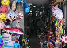 محل تجاري عامل للبيع (خلو)   بموقع مميز يصلح لكافة الاغراض لعدم التفرغ