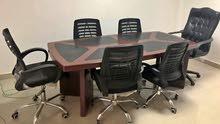 تربيزة اجتماعات شيك لشركتك متوفر اي مقاس ولون والخشب mdf اسباني عاليه الجودة ومتوفر الكراسي
