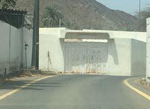 للبيع بيت عربي 6 غرف وصالة وخمس حمامات ومطبخ وحوش