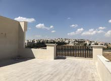 شقة مميزة للبيع في قرية النخيل  طابق ثالث210م  مع روف 65م