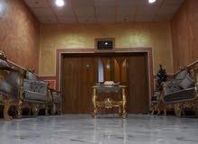 بيت لبيع المعقل طابقين م (200 ) متر مقابيل محطة بومبو لغسل السيارات