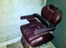 كرسي حلاق ومريات للبيع استعماال نظيف
