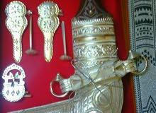 خنجر قرن خشب الصندل بي صيغه جميله ،مع الحزام والبكس