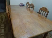 طاولة طعام مع ثمانية كراسي خشب سويدي
