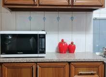 خزائن مطبخ 5 أبواب  مع خزانة زجاج