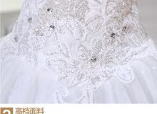 فستان زفاف ابيض للبيع