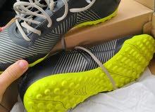 حذاء رياضي Adidas
