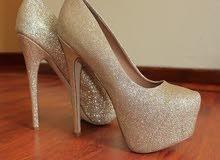 احذية نسائية مع كعب