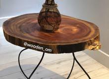 طاولات عصريه من الاخشاب الطبيعيه